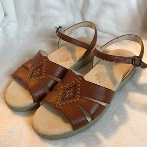 SAS Huarache Brown Sandals Size 9.5